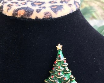 Vintage Christmas Tree Brooch // Green Enamel Red Ornaments Gold Garland // Star with Rhinestone // 80s Christmas Pin