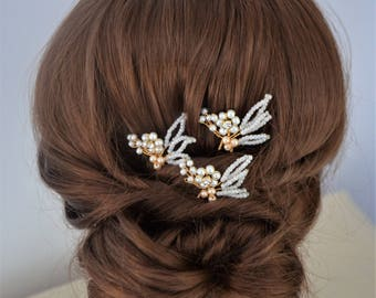 Set of 3 gold or silver pearl bridal or bridesmaid hair pins