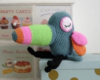 Tropical bird crochet, crochet bird