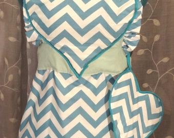 Heart ruffle apron retro style with matching potholder - full apron - birthday/bridesmaid/valentine/hostess/housewarming gift -