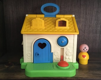 1984 Fisher Price Discovery Cottage Play House