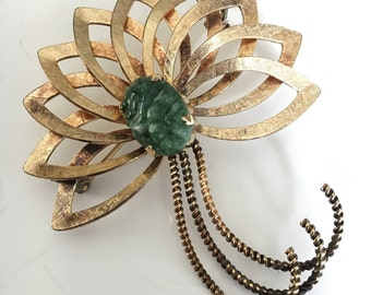 Vintage Winard Bow Pin With Jade 12K Gold Filled 1950s