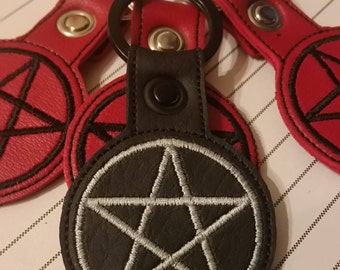 Pentagram Vinyl Vegan Key Ring Witch Wicca, pagan, amulet, tag