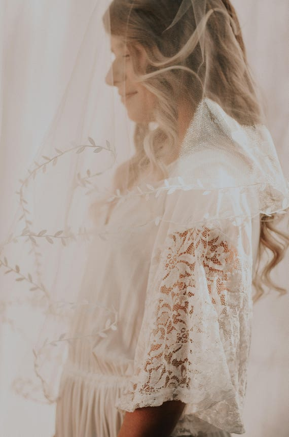 Leaf ribbon veil, Drop bridal veil, IVORY or WHITE, Long leaf edged veil, Fingertip veil, 60x60 circle veil, Unique veil, Woodland veil