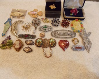Vintage brooches, lot of 25, Kramer Avon Lisner MMa in birds geo other rhinestones other Sarah Cov new unworn used