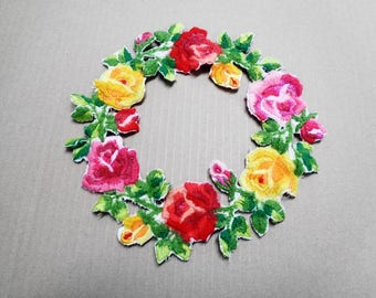 Vintage Floral Wool Applique Sew on Flower Patch Pink Yellow Red  Green Sewing Applique Home Craft Art Decor Circle of Flowers