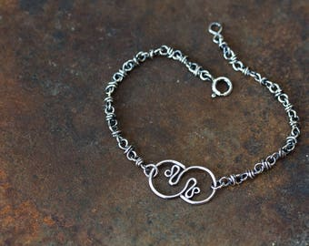 Wire Wrapped Chain Bracelet With Stylized Snakes Ornament, Layering Bracelet in Solid Sterling Silver, Artisan Handmade Jewelry