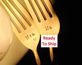 Wedding Forks, Gold Mr Mrs: READY TO SHIP Dessert Cake Forks, Hand Stamped, Engraved, Vintage Gold Plated Flatware Silverware, Gift Boxed