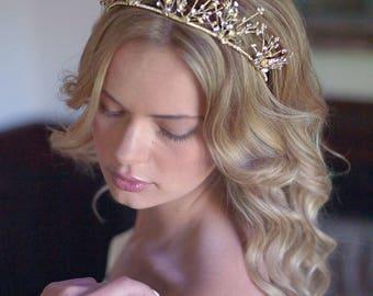 Gold Wedding Tiara, Gold Bridal Crown, Floral Gold Wedding Crown, Flower Bridal Tiara, Gold Headpiece, Bridal Hair Accessories, Bride - 7004