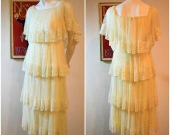 SALE**Vintage 70's Romantic Tiered Lace Boho Dress//Wedding