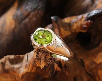 silver ring with peridot, silver ring peridot,