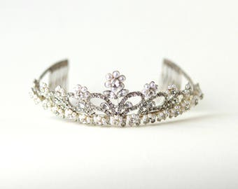 Vintage rhinestone and pearl tiara, 1950s or 60's silver tiara, Comb base tiara, New Years Eve party, Silver rhinestone headpiece