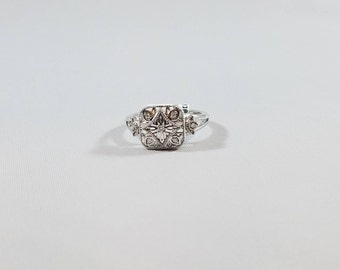 Sterling Silver .05 CTW Filigree Diamond Ring