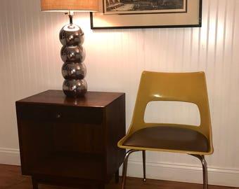 Mid Century Chair, Eames Era Molded Chair, Mid Mod Chrome Chair, Retro  Fiberglass