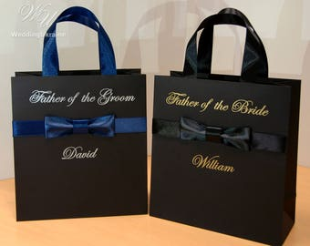 Personalized man gift ideas -Elegant Groomsmen Gift bags with male satin bow and custom name Stylish Black men's bag with bow tie for guests