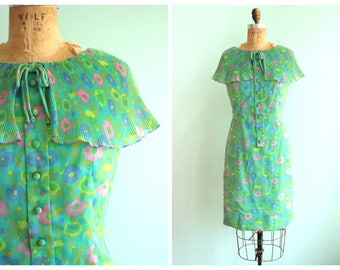 Vintage 1960's Pastel Floral Shift Dress  | Size Small