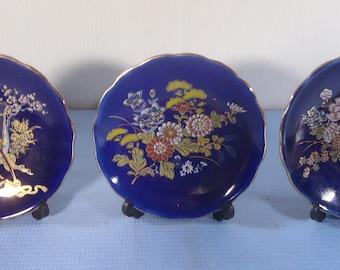 Vintage Japanese porcelain plates cobalt blue set of 3  made in Japan easel circa 1950s