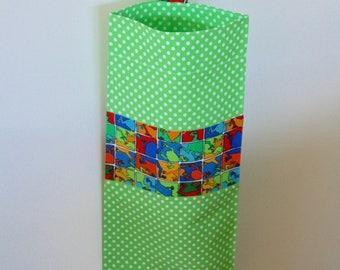 Frogs plastic bag holder - Grocery bag keeper - Plastic bag storage - Handmade plastic bag dispenser - Plastic bag organiser.