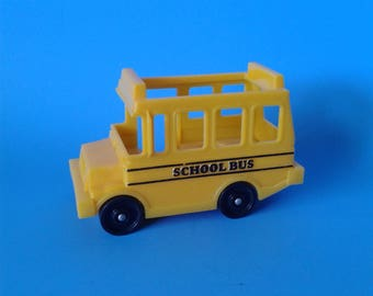 "Fisher Price Little People "" #2550 School Bus "" 1980's"