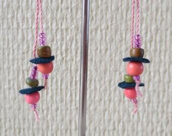 Pink pearls and 10 felt earrings