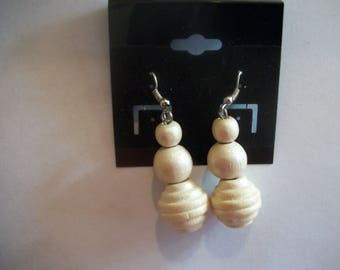 Vintage White Wooden Earrings Preowned
