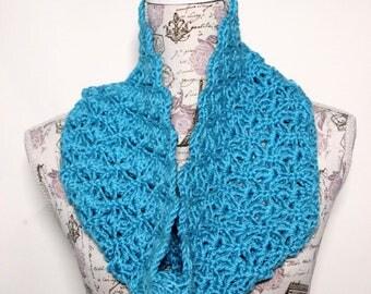 Crocheted short cowl