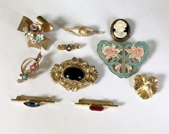Ten Retro Revival and Vintage Assorted Gold Tone Brooch Destash Jewelry Lot