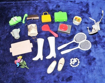 Lot of 18 Barbie Accessories