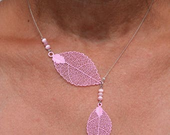Necklace with pink leaf