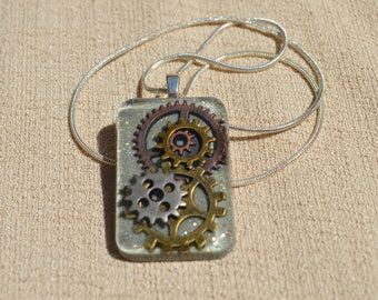 Steam Punk Gear Necklace, Silver: Resin Jewelry