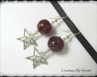 Dangle earrings with Pearl Burgundy stripes on a star