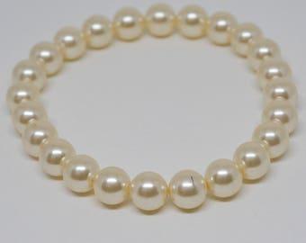 Lovely Faux Pearls Beaded bracelet