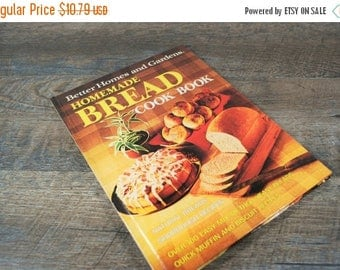 CLEARANCE SALE Vintage Better Homes and Gardens Homemade Bread Cookbook / Retro Cookbook / Mid Century Kitchen / Baking / Vintage Recipe Boo