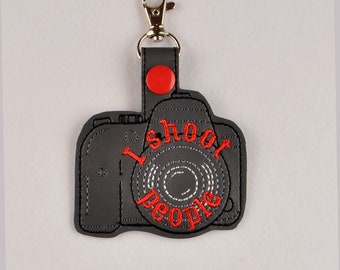 DSLR camera I shoot people snap tab key fob ITH 4x4 machine embroidery design