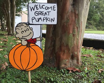 Small Version Of Welcome Great Pumpkin / Linus / Charlie Brown / Peanuts / Snoopy / Fall Yard Art / Halloween Decorations/ Cake Topper/Plant