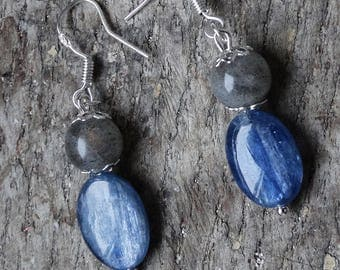 Seeds of kyanite and labradorite beads on 925 Sterling Silver earrings