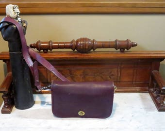 Coach Pocket Purse In Burgundy Leather With Brass Hardware Style No 9755 Made In The Factory' In NYC- Missing Original Strap