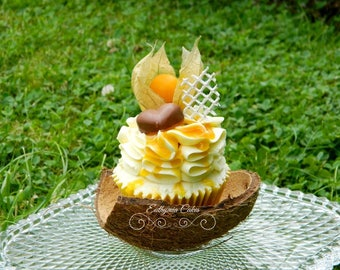 Coconut Delight cake or cupcakes