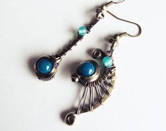 Ethnic asymmetrical earrings - teal / turquoise - brass