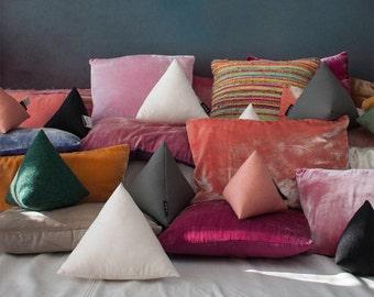 Pyramid pillows