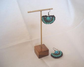 20 pcs. #GOLD COLOR Earrings Display on teak wood base #Jewelry displays #Gold earring display #Gold jewelry displays.