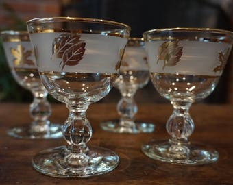 Set of 4 Vintage Frosted  Cocktail Coupes with Gold Leaves/ Libbey Glasses/ Vintage Barware/ Wedding Decor/ Thanksgiving
