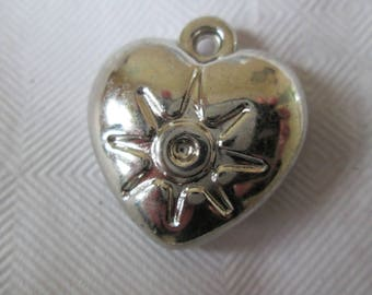 set of 5 small heart shaped Silver Star charm