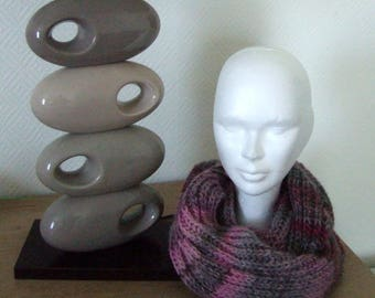 Pink and gray wool collar