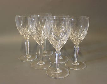Set of 6 faceted whitewine glass from around the 1930s.