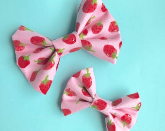 Strawberry Patch Bow