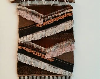 Hand-woven tapestry. Tissage mural. Wall tapestry. Woven wall hanging.