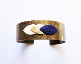 Cuff Bracelet and leather white, gold and blue petal