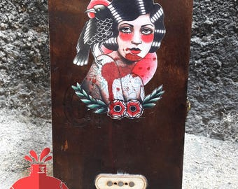 Cigar Box Guitar woman tattoo
