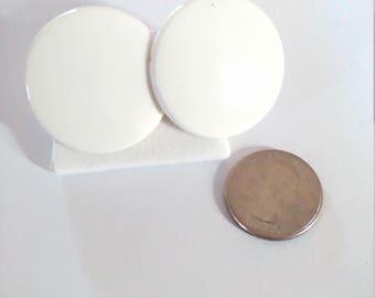 Vintage White Disc Plastic Clip On Earrings
